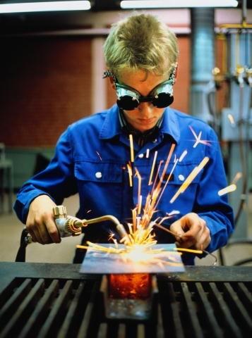 Охрана труда детей и подростков в Германии - Статья